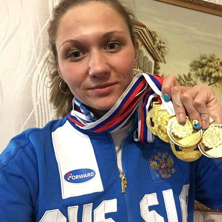 Выпускница ПГУ О. Ключникова завоевала 5 золотых медалей на чемпионате России по плаванию (спорт глухих)