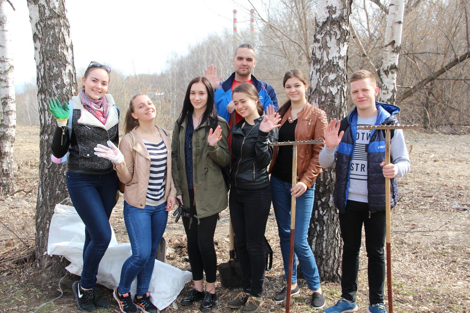 Активисты ПГУ приняли участие в экологической акции «Зеленая волна — за чистый лес!»